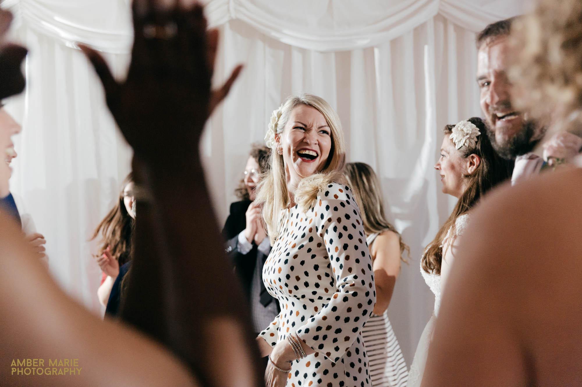 natural Gloucestershire wedding photographer