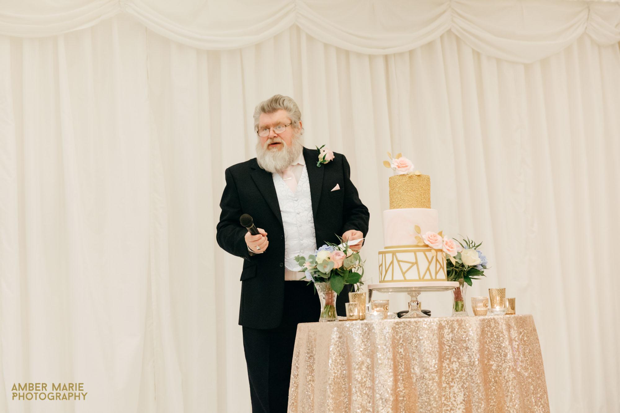 creative Gloucestershire wedding photographers