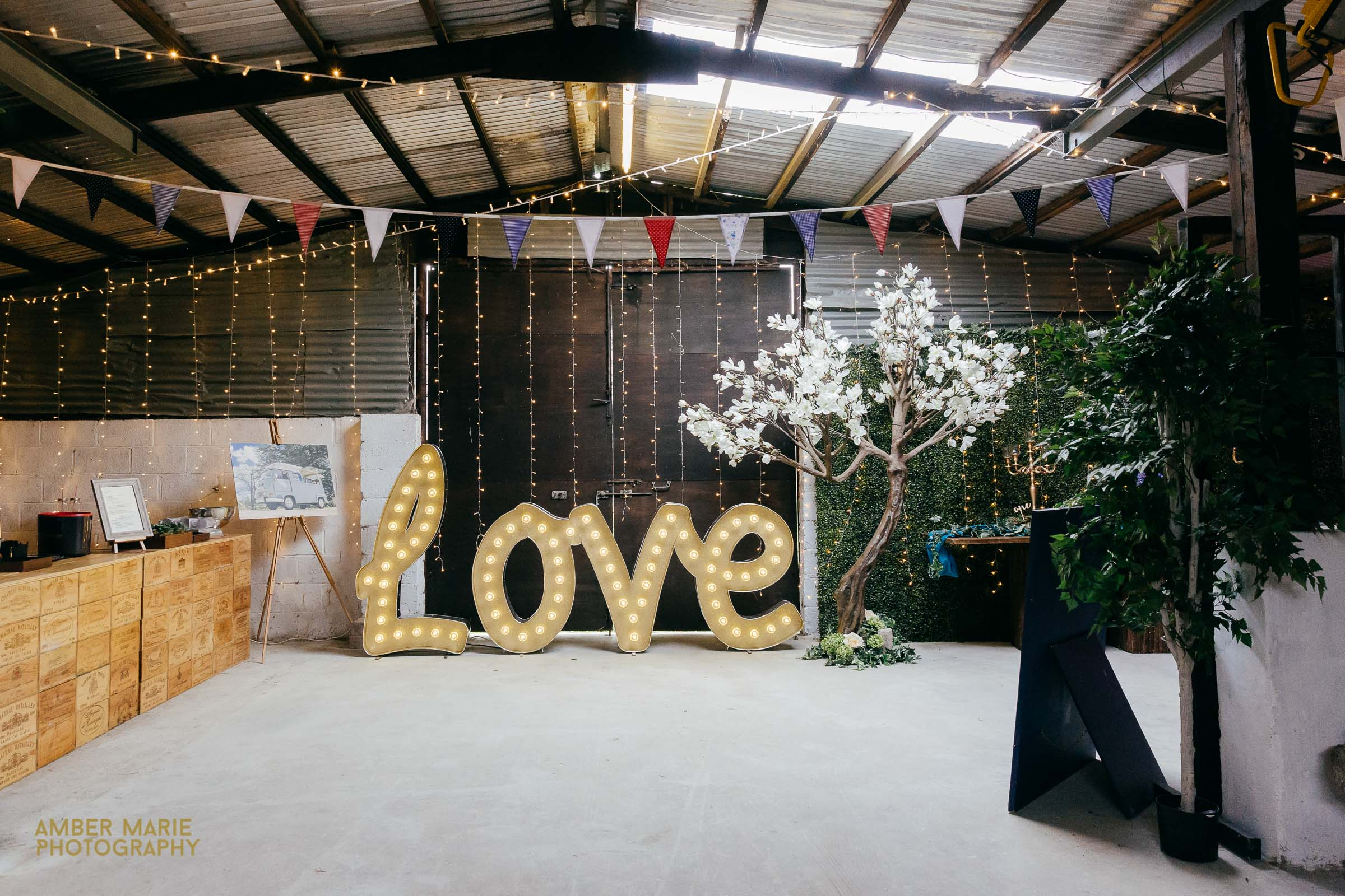 Crippets Barn Creative Wedding Photographer Gloucestershire