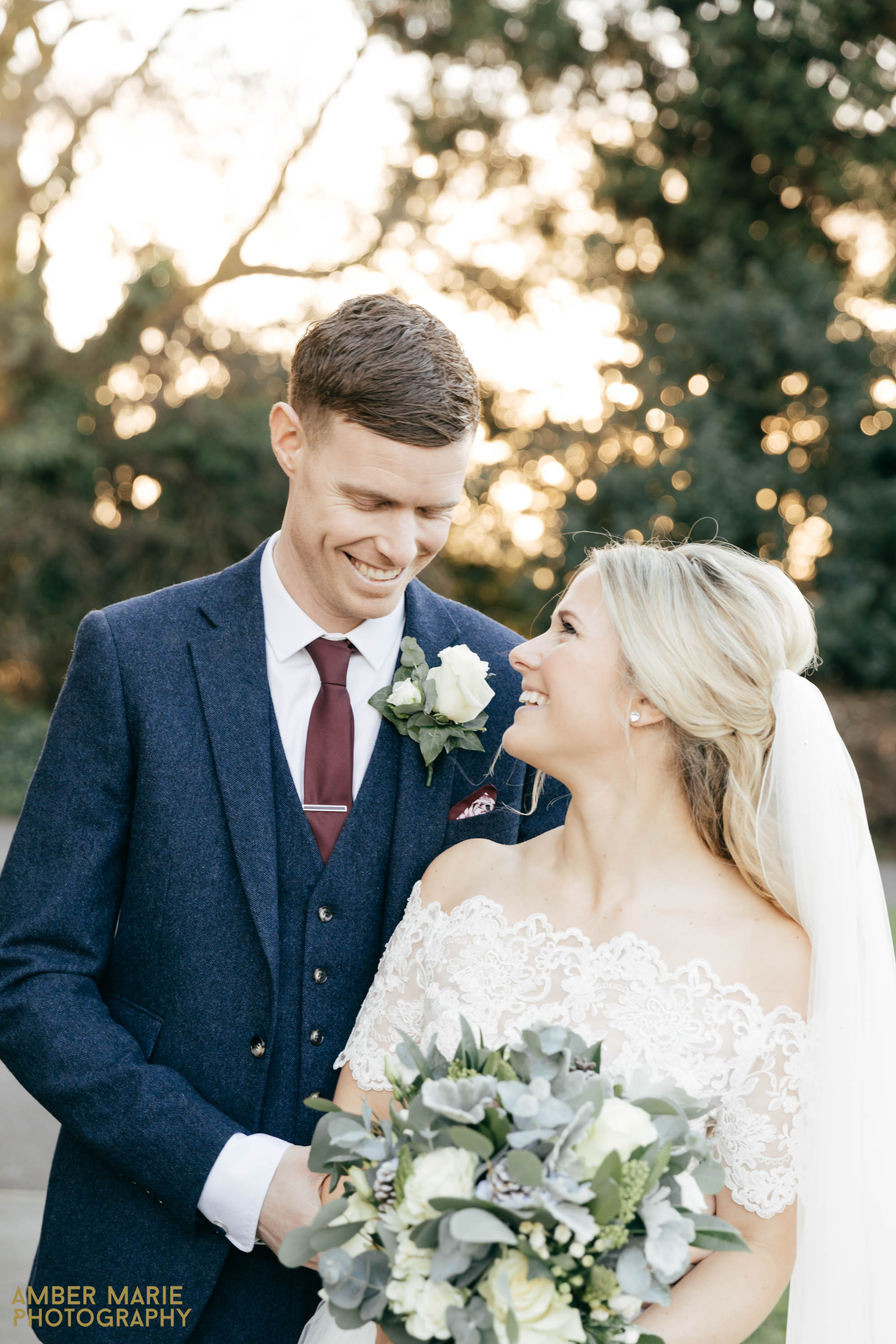 merchants adventurers hall wedding by creative wedding photographer Gloucestershire