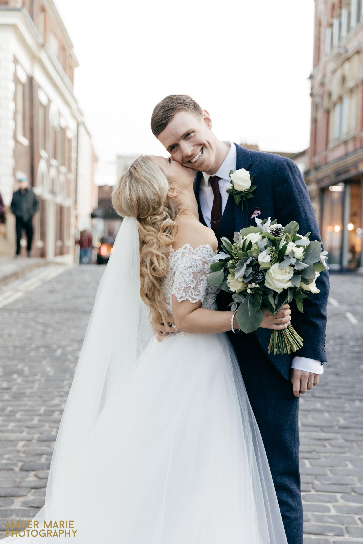 merchants adventurers hall wedding by creative wedding photographer