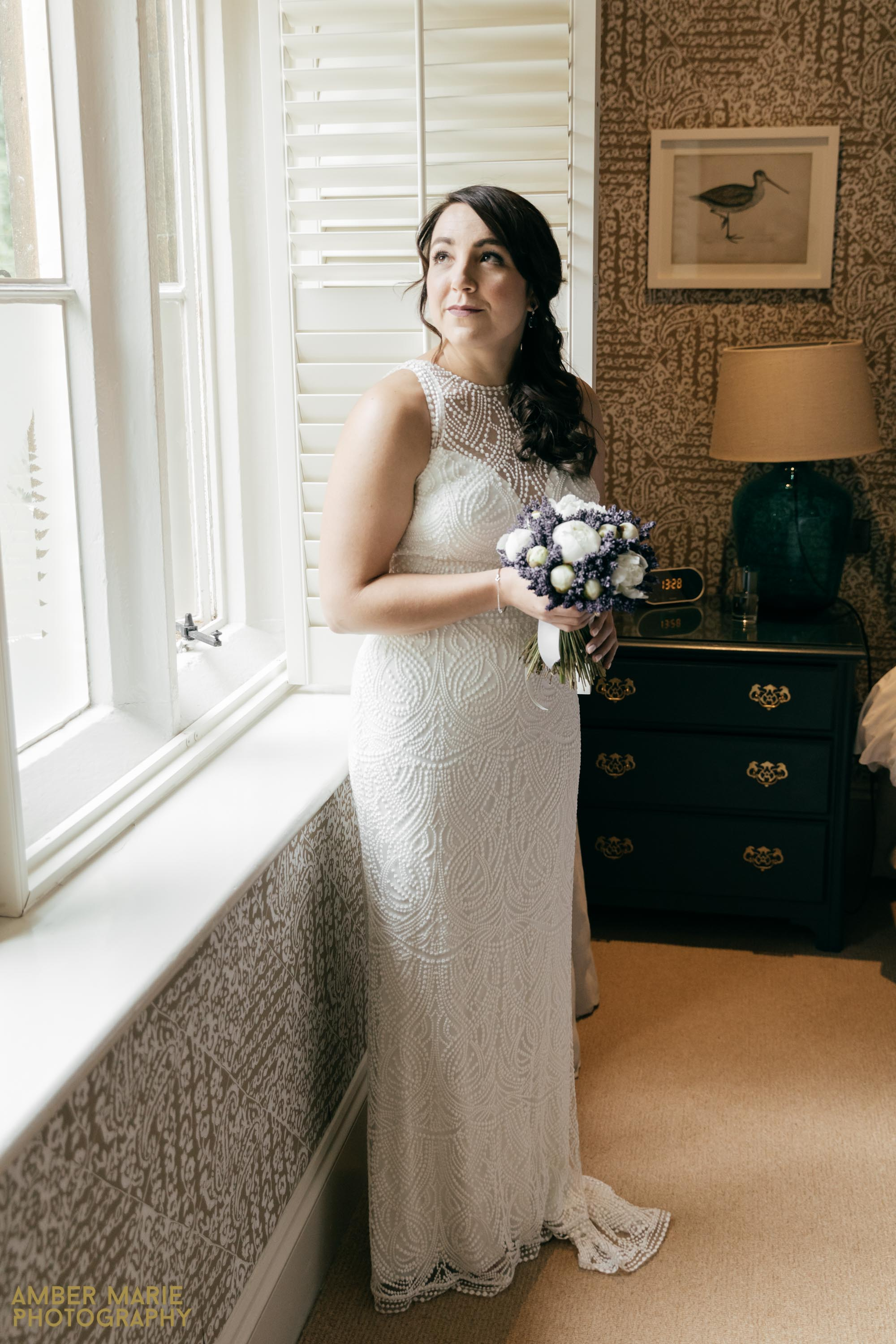 the swan hotel cotswolds wedding photography by cotswold wedding photographer