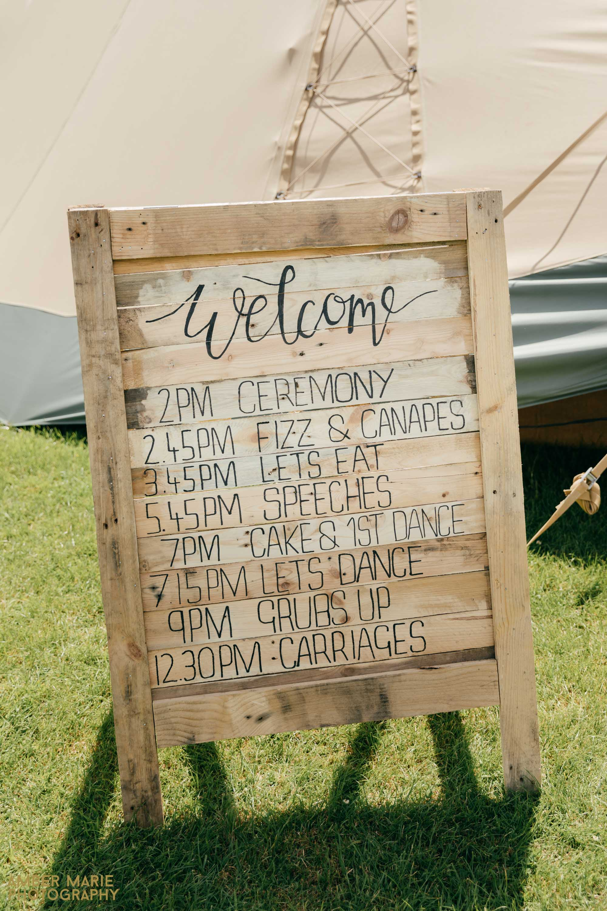 rustic tipi wedding in the cotswold wedding photography