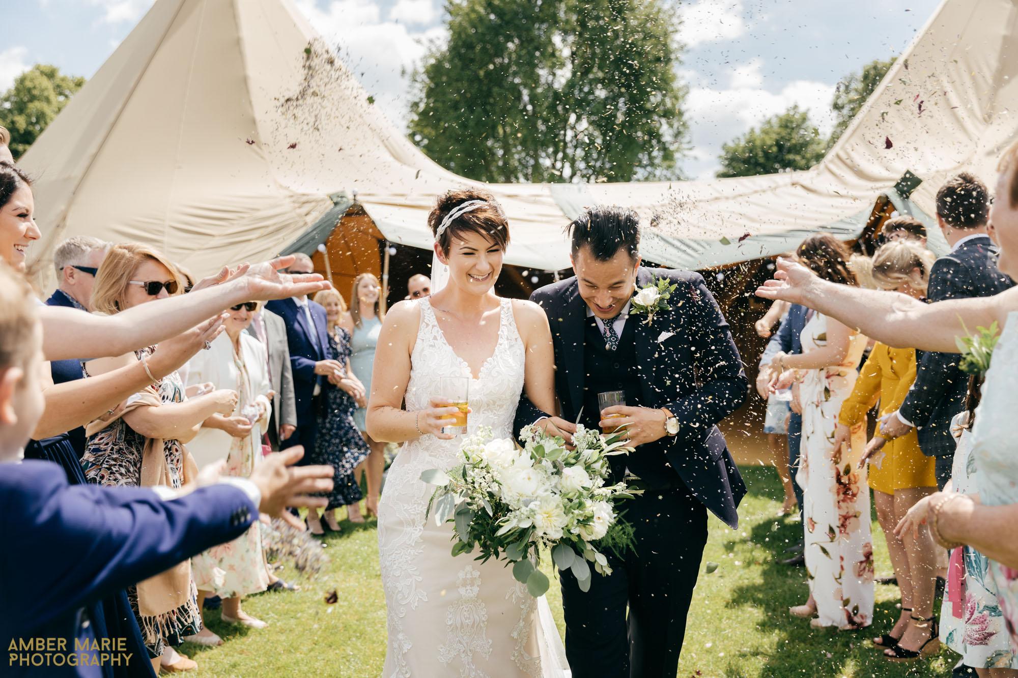 cotswolds tipi wedding photography