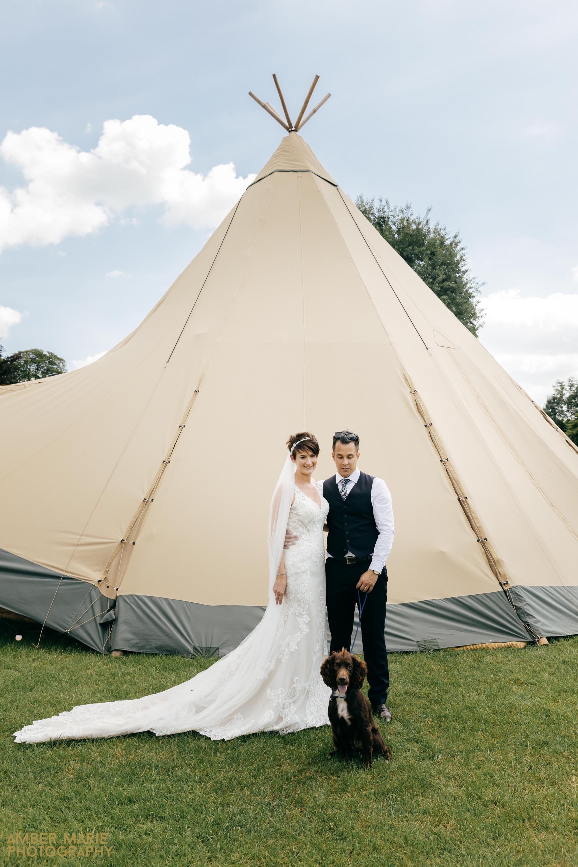 cotswolds tipi wedding photography by wedding photographer gloucestershire