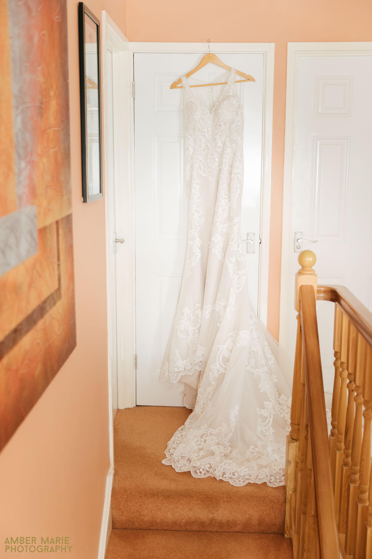 tipi wedding photography by wedding photographer gloucestershire
