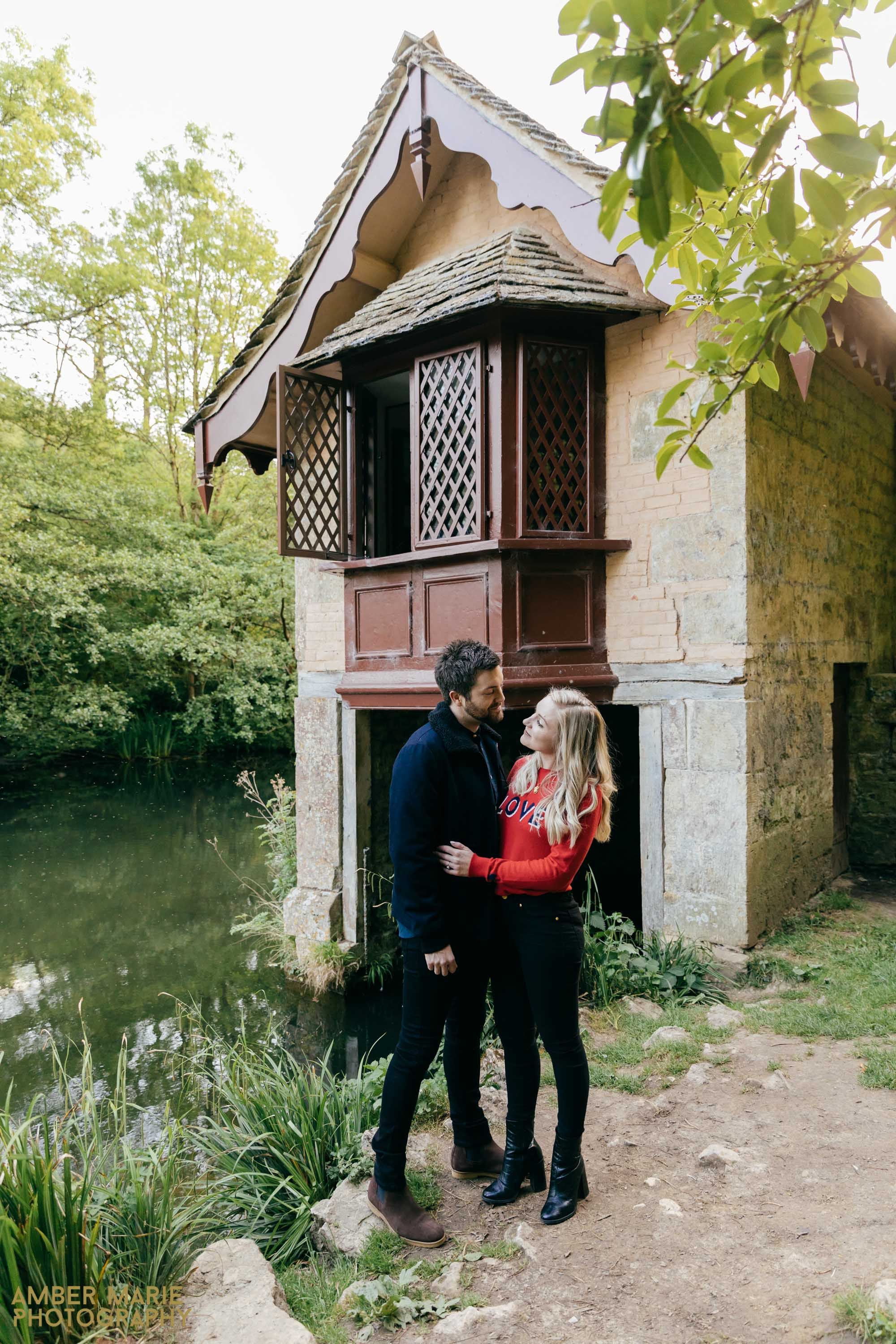natural cotswolds engagement photography