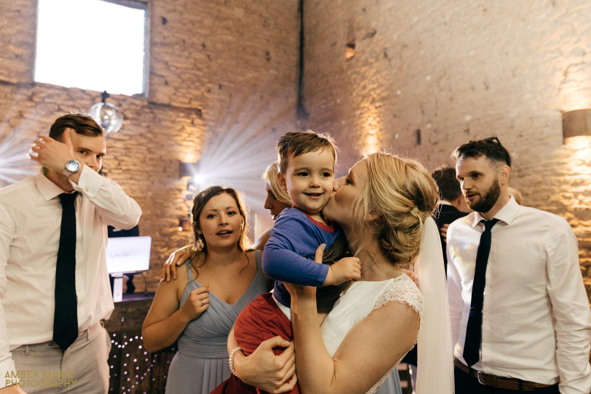 natural wedding photography cripps barn