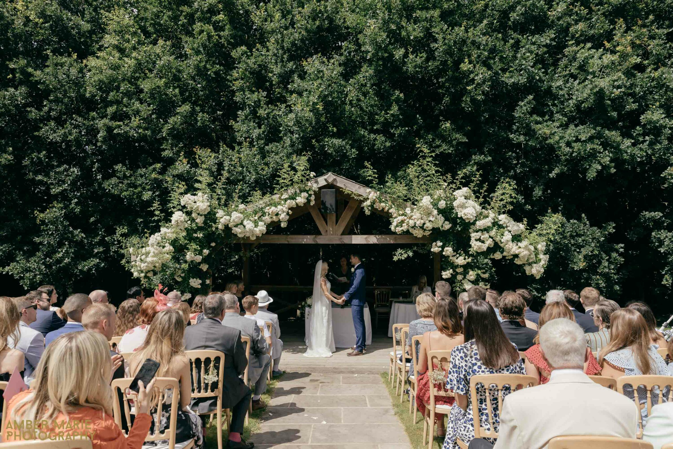 outdoor summer wedding photography cotswolds