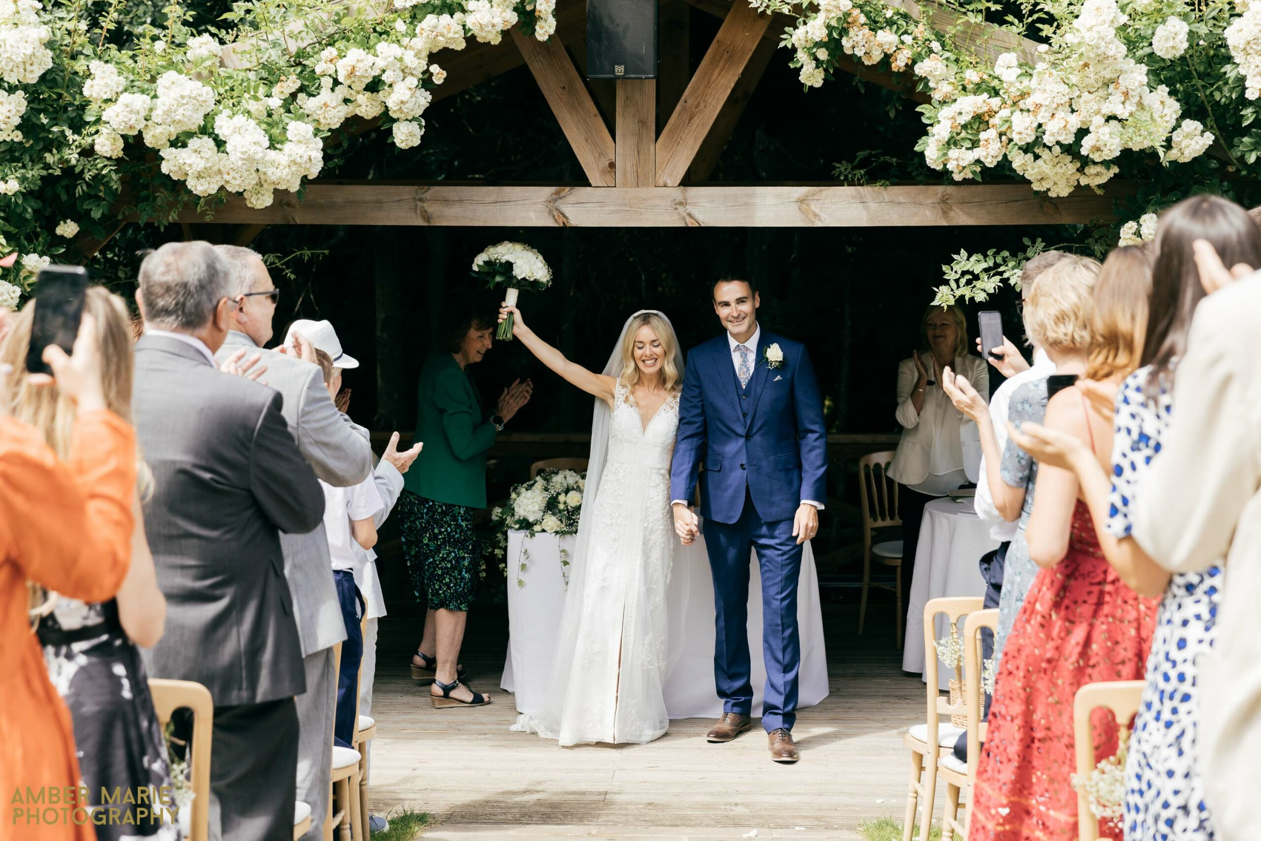 outdoor summer wedding photography gloucestershire