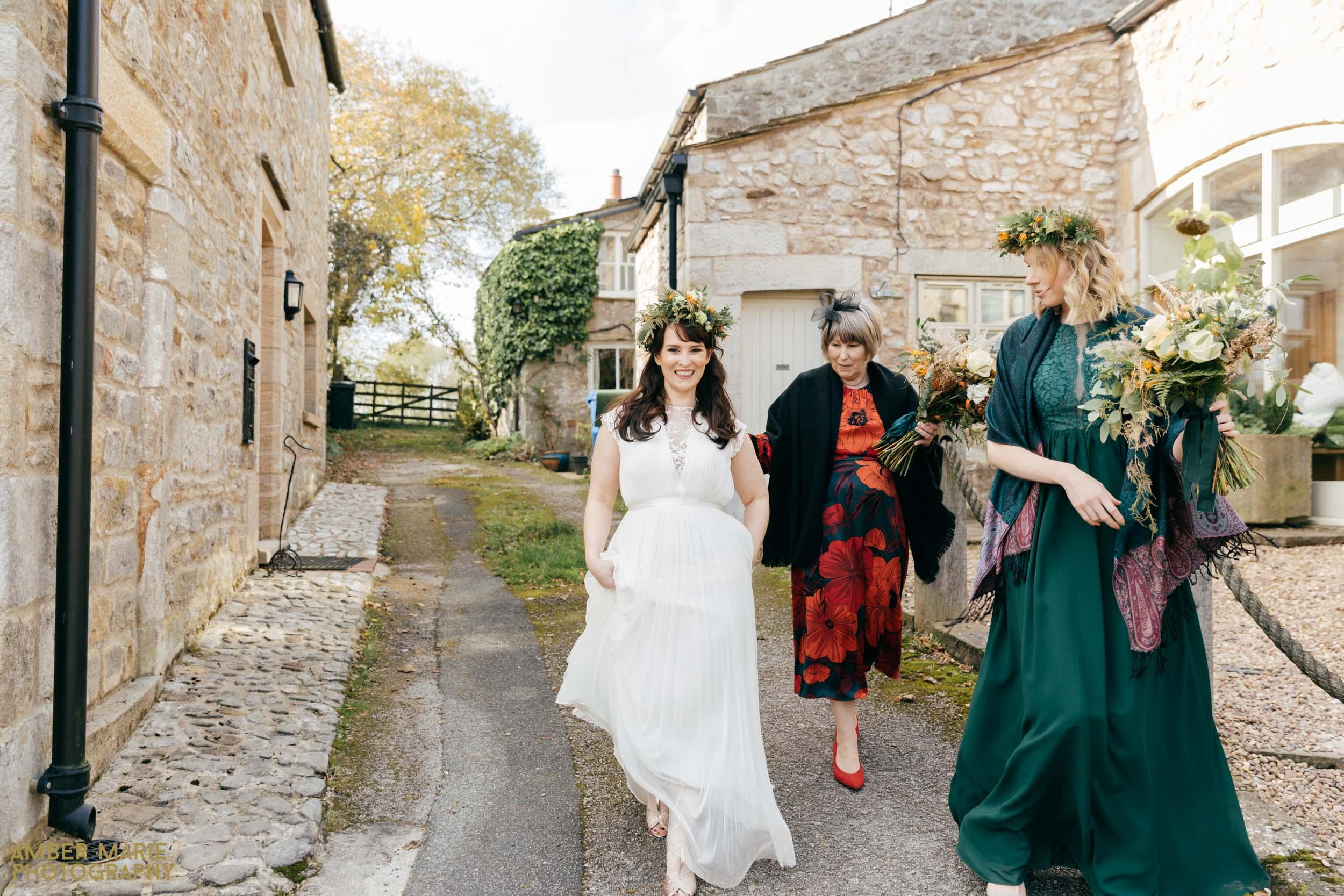 cruck barn wedding photographer