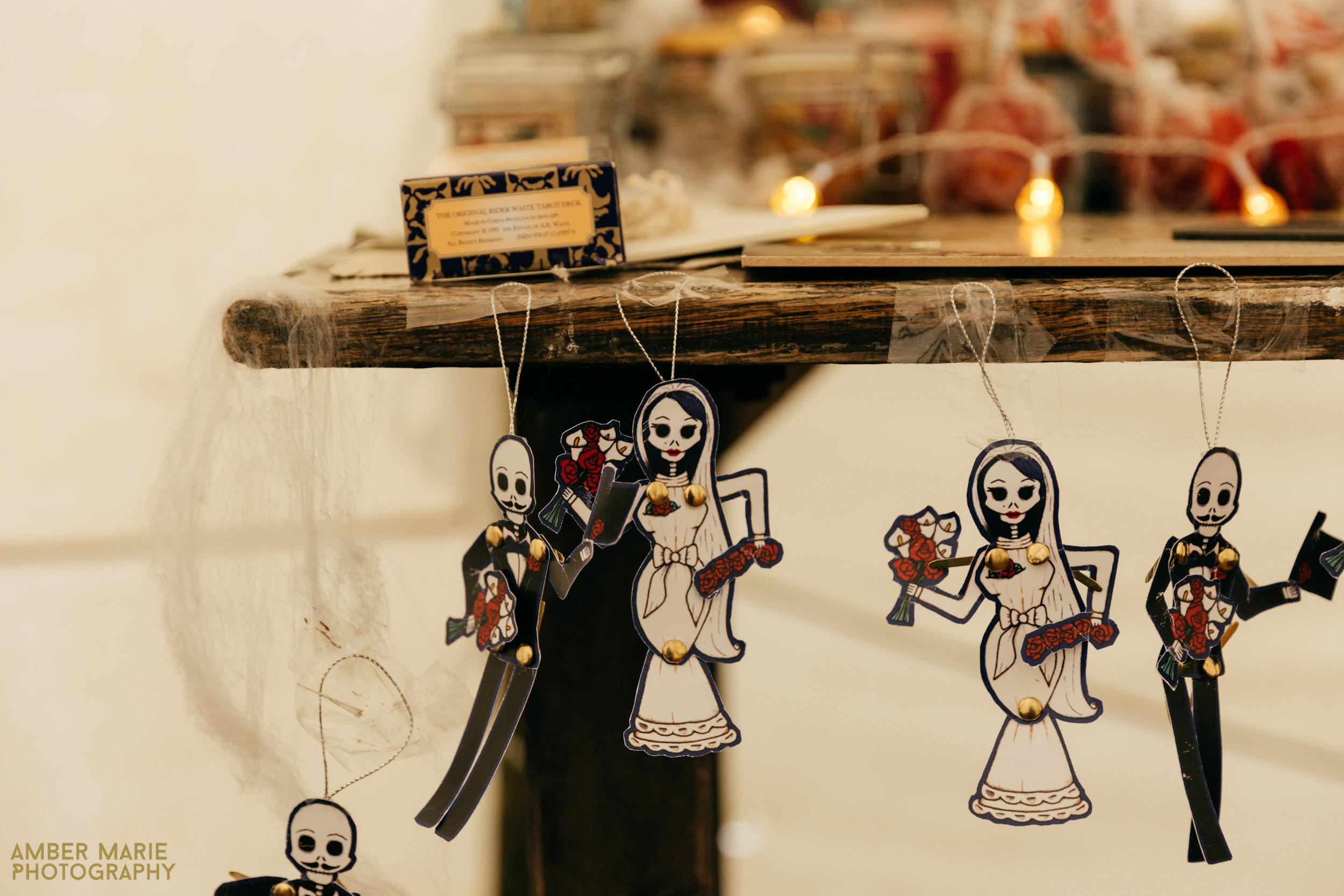 Stylish Halloween Wedding Decor
