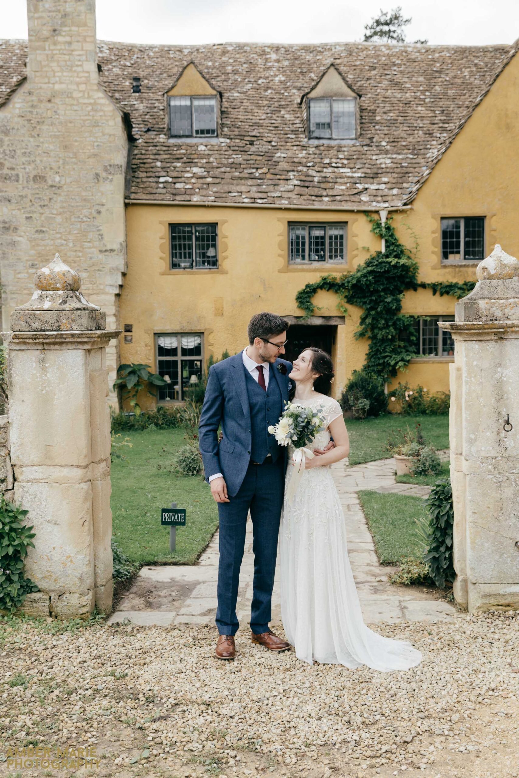 owlpen manor wedding by gloucestershire photographer